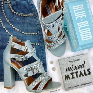 •HP• Cape Robbin Ekko-11 Embellished Sandals